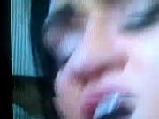 Femme porno den bar baise de tonnerre