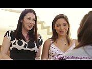 Lesbiennes gros seins mignonnes trio jouet d action