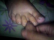 paja con los pies de mi mujer dormida 30