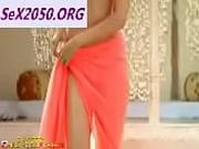 Sonam-Kapoor-Bikini-Scene-Bewakoofiyaan 1