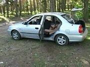 camila fazendo anal no carro~1