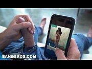 Se Uita La Filme Porno Pe Telefon Si Face Laba