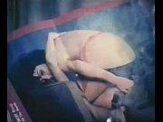 Chanteuse pute femme mature masturbation