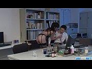 【百合川さら】深夜オフィスで下着姿のお姉さんが男性社員に欲求不満のフェラ抜きwww