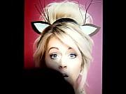 Lindsey Stirling cubierta de leche