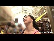 Maggie cheung nu baise en porte jarretelles pour femme mariee
