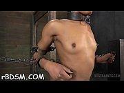 Salope qui aime la sodomie femme cougar chaude