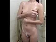 cewek cantik mandi sange maturbasi