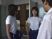 学校のトイレで女子集団の囲まれ強制射精させられた件。ジャージ姿の女子達に突然押さえつけられ、乱暴な言葉を投げかけられながら、手コキで精子を採取された男子。