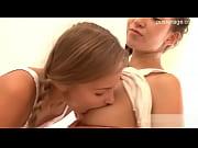 Porno gratuit dialogue francais il baise sa belle pendant sa mere dort