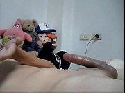 Salop 4x4 jeune homme se masturbe
