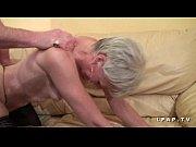 старый дед ебет гламурную брюнетку