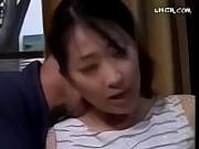 【ヘンリー塚本】「お義父さん、やめてください!」巨尻をまさぐられ強引なセックスに持ち込む義理の父。逆らえるか?
