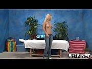 Salope de bourg en bresse elle se masturbe dans son lit