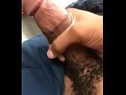 Orgasmus volle blase free video fisting
