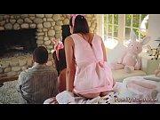 женщина соблазняет девушку видео порно