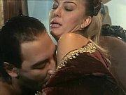 Nainen hakee miestä nuori nainen