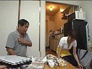 【シロウト動画】デカ乳をチラ見えさせる家事代行の素人娘を盗撮reipuw
