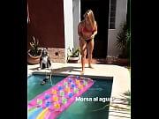 Фото ксении собчак в короткой юбке