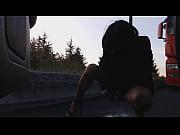 pipi au bord de la route Thumbnail