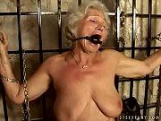 Enorme gode anal blonde facesitting