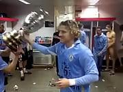 Uruguay Campe&oacute_n  Mart&iacute_n Caceres desnudo, Forl&aacute_n manda saludos y Loco Abreu en Tanga(360p H.264-AAC)