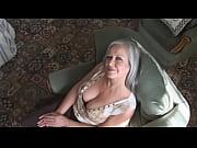 порно видео шлюха обслужила толпу в бане
