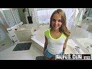 Mofos - Dont Break Me - Extra Small Teen Likes it Rough starring Liza Rowe(cam) Thumbnail