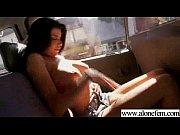 Une beurette femme mûre avec une grande expérience a le désir de passer une nuit coquine au lit