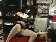 Bekleidet nackt sexspielzeug für frauen