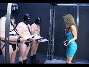 Femme nue au minou rase ouvert