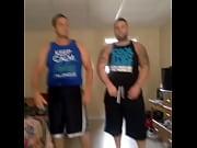 Nu hawaiian danser les filles de la video hotel pour baiser montpellier