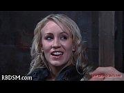 Elle lui caresse les couilles salope francaise exhib