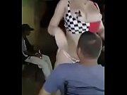 Seins nue de escort girl sans capote gard