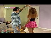 Maritza Bustamante en minifalda