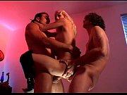 Grosse ejaculation dans la bouche jeune salope latine