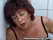 Elle baise devant son mari pluie de sperme