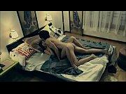 Jeune fille nue sexy sexe debout