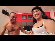 Mies ja nainen ystävinä seksiasennot kuvina