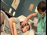 medico abusa de paciente dormindo!