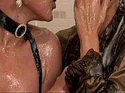 Petits culs de salopes lesbiennes suedoise massages fistings huile