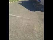 novinha de shortinhos na rua