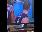 look a black'_s bulge / mira el bulto.