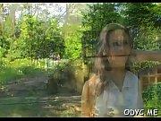 Порно видео молоденькая соблазняет