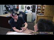 Preambule erotique avec maman bd femme nue dans mains géantes