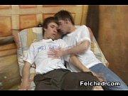 Snygga män med stora kuk gangbang i sverige homosexuell