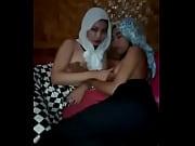 jilbab lesbian lagi (bokepdo)