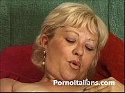 matura italiana si masturba  - italian mature.