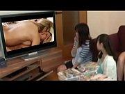 JAPAN GIRLS WATCHING PORN LESBIAN