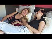 【外国人レズ】素人ブロンド美女とアジア系美女ビアンカップルがベッドでイチャラブ濃厚レズプレイはじめちゃって…
